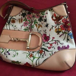 Gucci Floral Shoulder bag - White